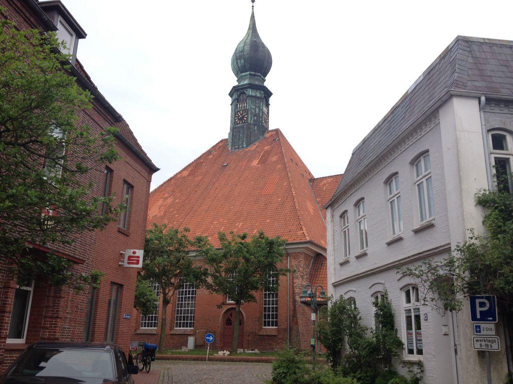 Die Kirche im Dorf gelassen