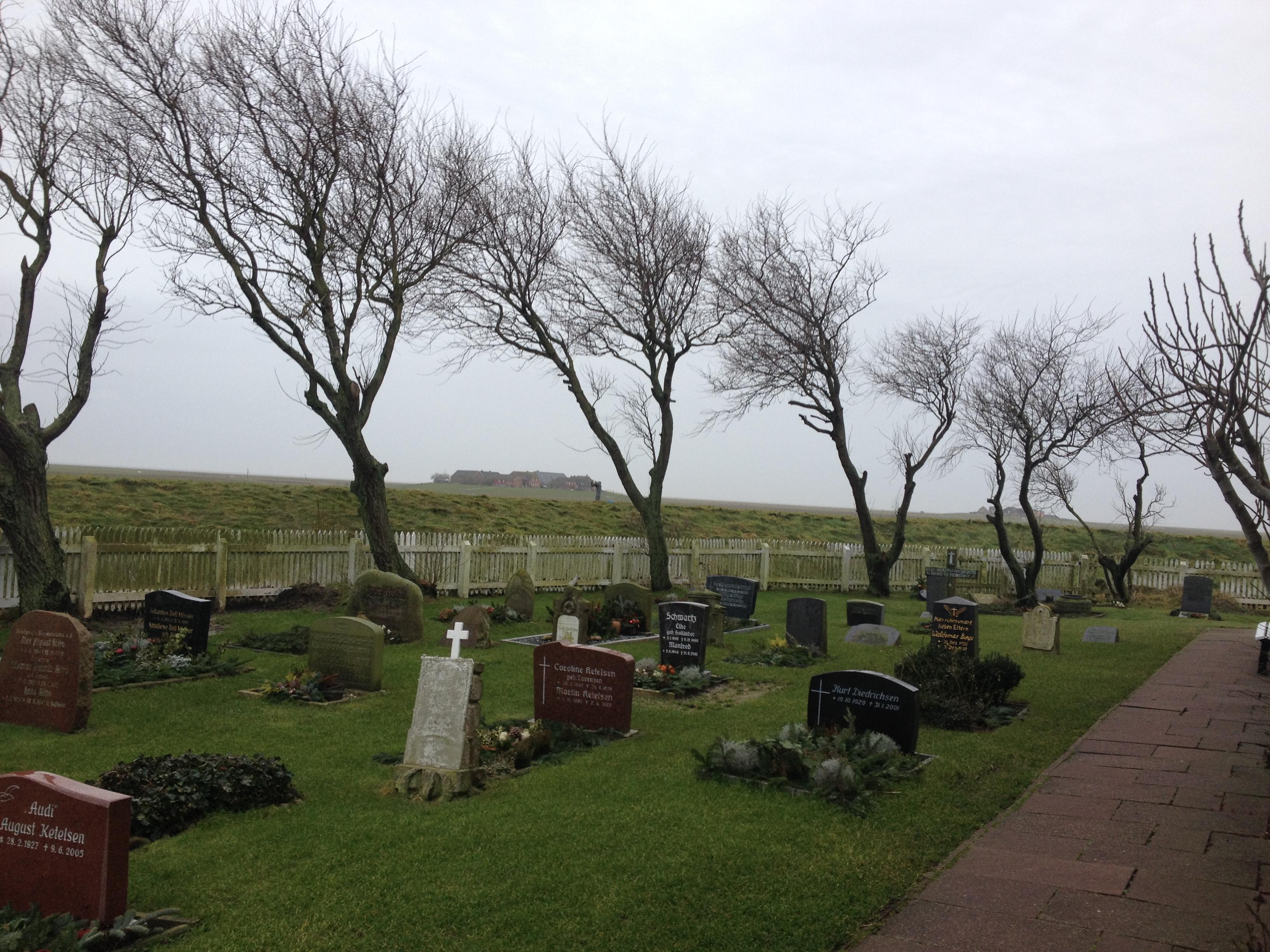 der Friedhof hat schon stürmische Zeiten gesehen ...