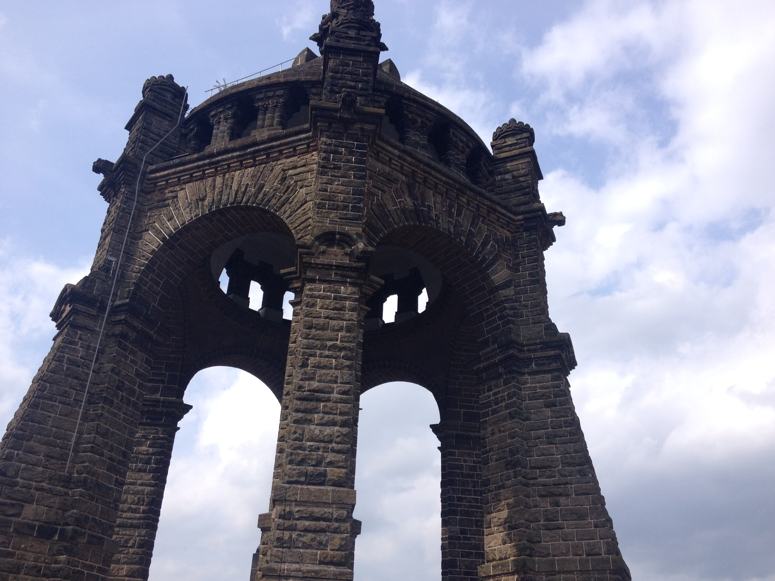 Porta Westfalica von nah
