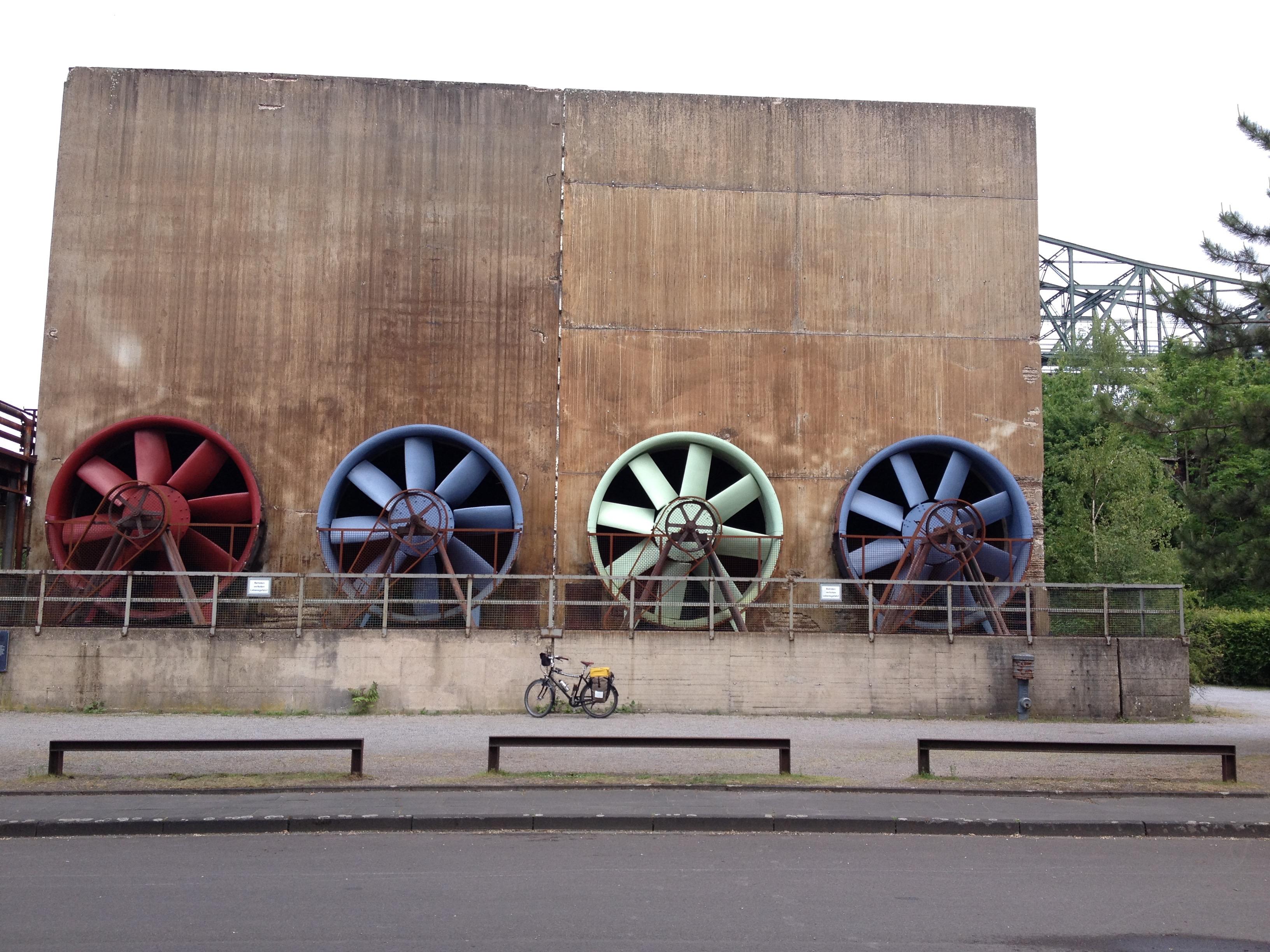4 große und 2 kleine Räder