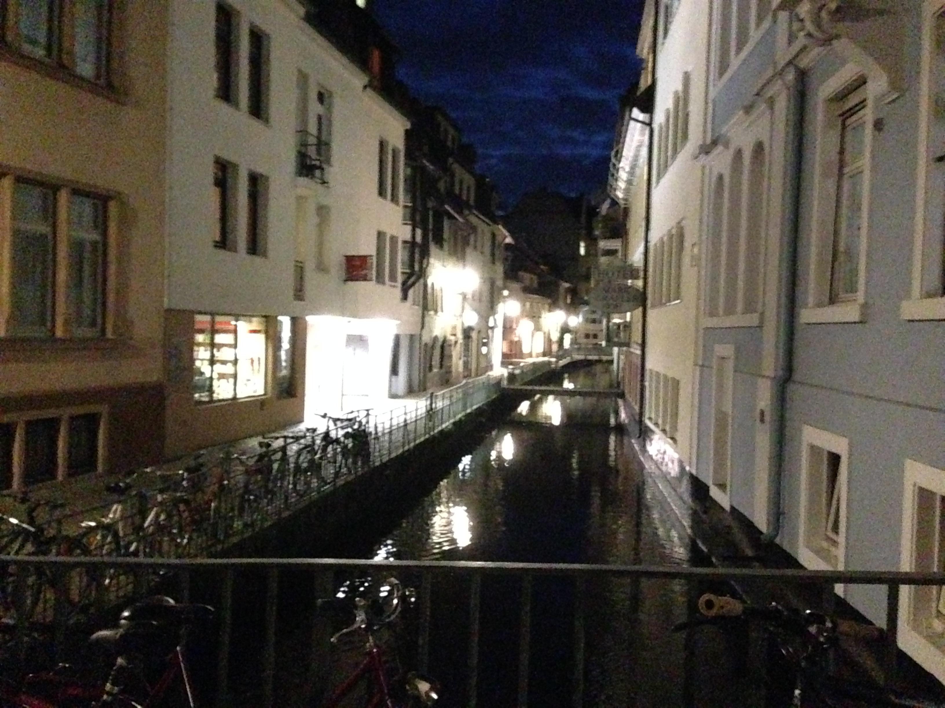 besonders Nachts und am Kanal ...