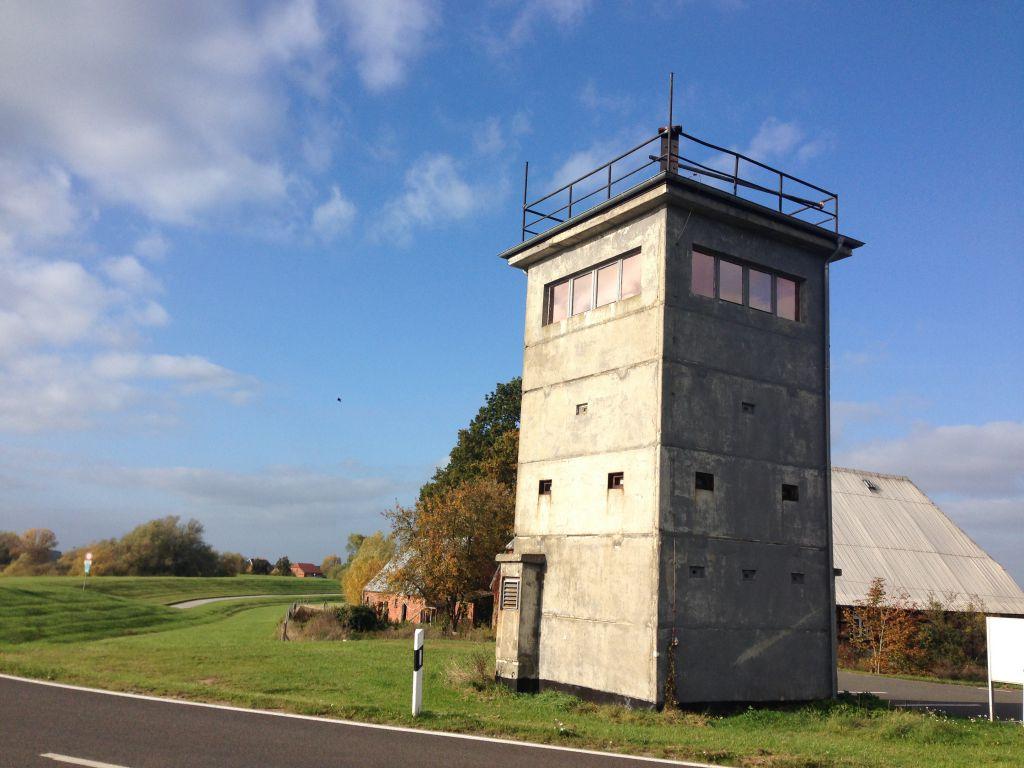 ein Wachturm erzählt von einer Grenze