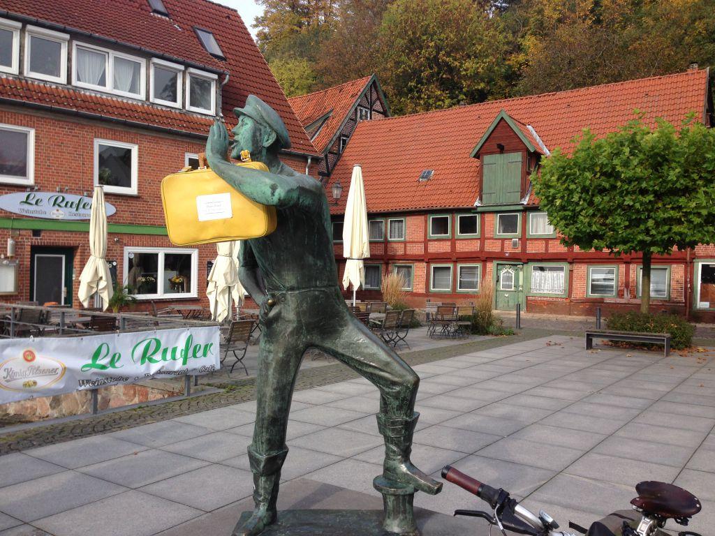 ... bis nach Lauenburg. Der Rufer warnt: